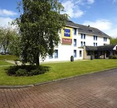 Hotel Kyriad Rouen Nord - Mont Saint Aignan 1