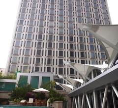 Peninsula Excelsior Hotel 1