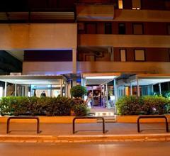 Hotel Blue Rose's 1