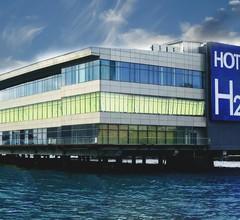 Hotel H2O 2