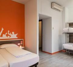 Hotel Nologo 2