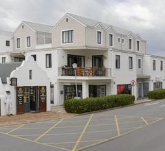 Marine Square Luxury Holiday Suites - Apartments 2