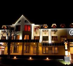 Oscar Hotel 2