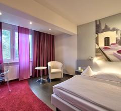 Hotel Am Triller 2