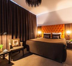 Hotel La Reine 2
