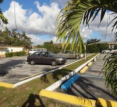 Parkway Inn Airport Motel Miami 2