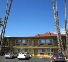 Civic Center Lodge / Lake Merritt BART 1