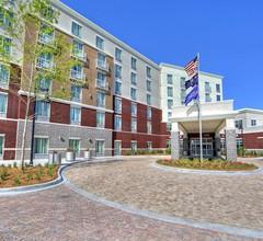 Hilton Garden Inn Charleston / Mt. Pleasant 2