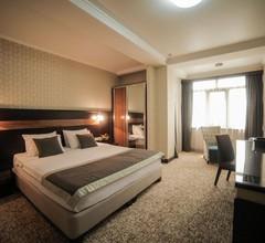 Onyx Hotel 2