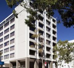 Quality Hotel Ambassador Perth 1