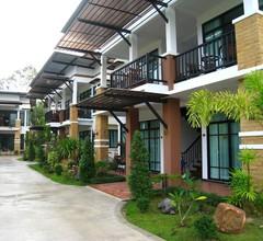 Nattha Waree Hot Spring Resort and Spa 1