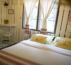 Srinual Lodge 2