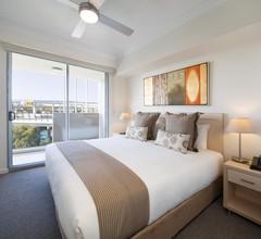 Oaks Brisbane Mews Suites 2