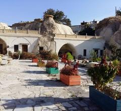 Ortahisar Cave Hotel 1