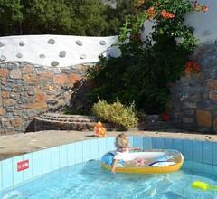 Country Hotel Velani 2
