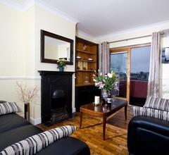 Oliver St John Gogarty Hostel & Penthouse Apartments 2