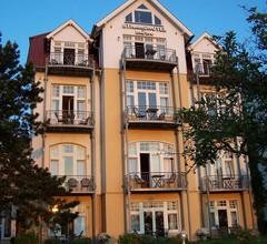 Strandhotel Möwe 1