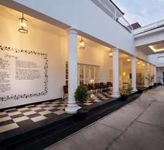 Menumbing Heritage Hotel 1
