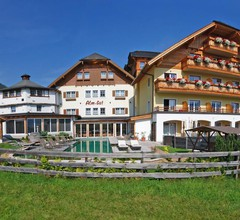 ALMGUT - Mountain Wellness Hotel 1