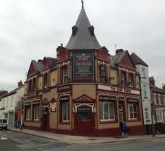 The King Harry Bar & Hostel 1