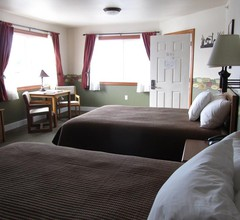 Longliner Lodge and Suites 1