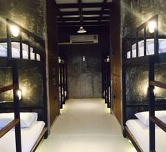 OYO 585 Freedom Hostel @ Phi Phi 2