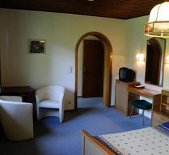 Strandhotel Weyregg 1