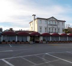 Travellers Lodge Bed & Breakfast-Hotel 2