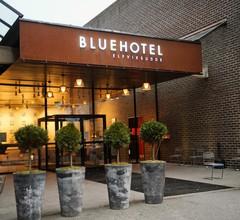 Blue Hotel 1