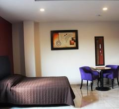 Hotel Leones 1