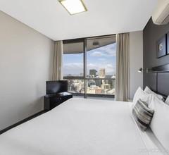 Meriton Suites Campbell Street- Sydney 1