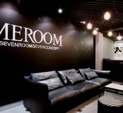 MEROOM 1