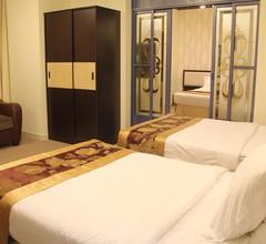 Peninsula Hotel 1