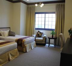 Peninsula Hotel 2