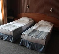 Hotel Lazuren Briag 1