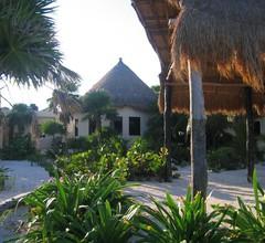 Balamku Inn on the Beach 2