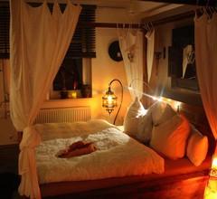 Whirlpool Suite Marrakesch-Lounge 2