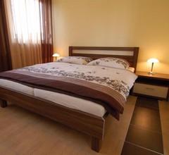 Hotel Nanis 2