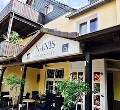 Hotel Nanis 1