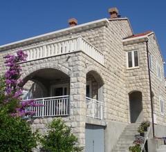 Guest House Franica & Pero Lobrovic 1