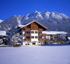 Hotel Alpenhof Krün 1