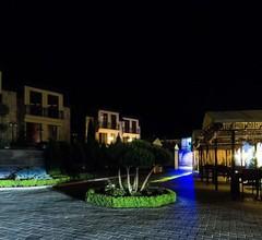 Elegant Hotel & Resort 2