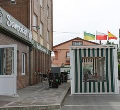 Hostal Sanpatiel 1