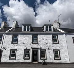 Lochside hotel 1