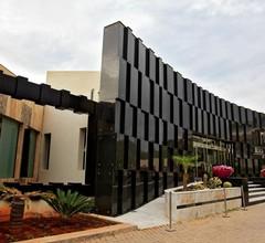 Mira Palace 1