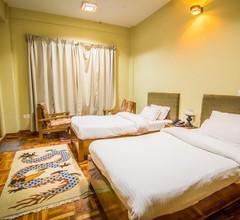 Khamsum Inn 2