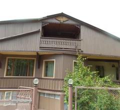Artsiv Guesthouse 2