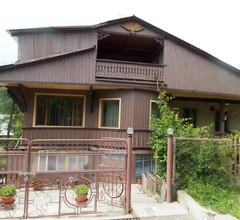Artsiv Guesthouse 1