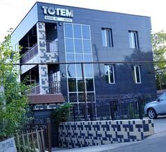 Totem Hotel 2