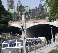 Les Suites Hotel Ottawa 2